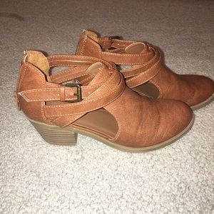 Other - Booties girls tan color size 3